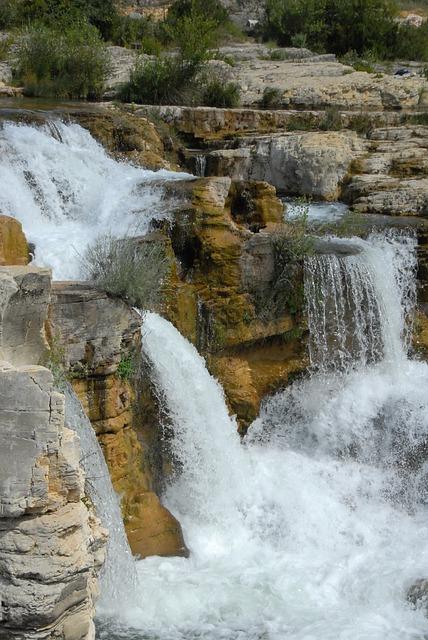 cascade-1759019_640